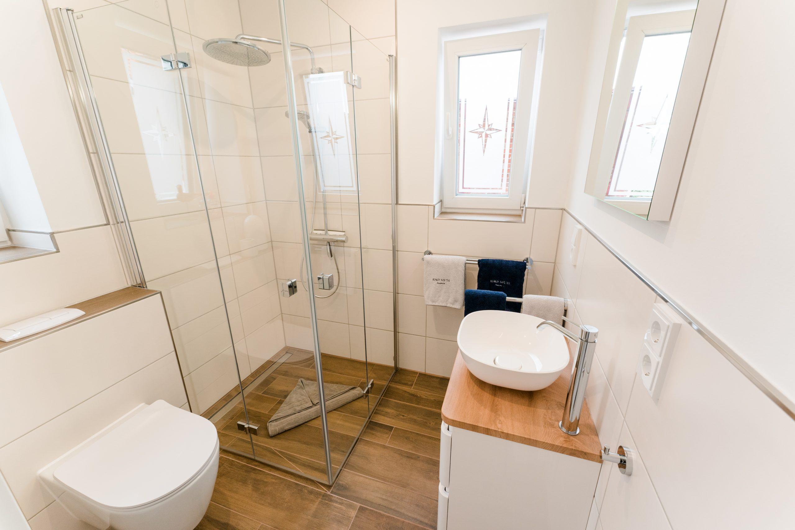 Ferienhaus Sjuts_Badezimmer im Erdgeschoss